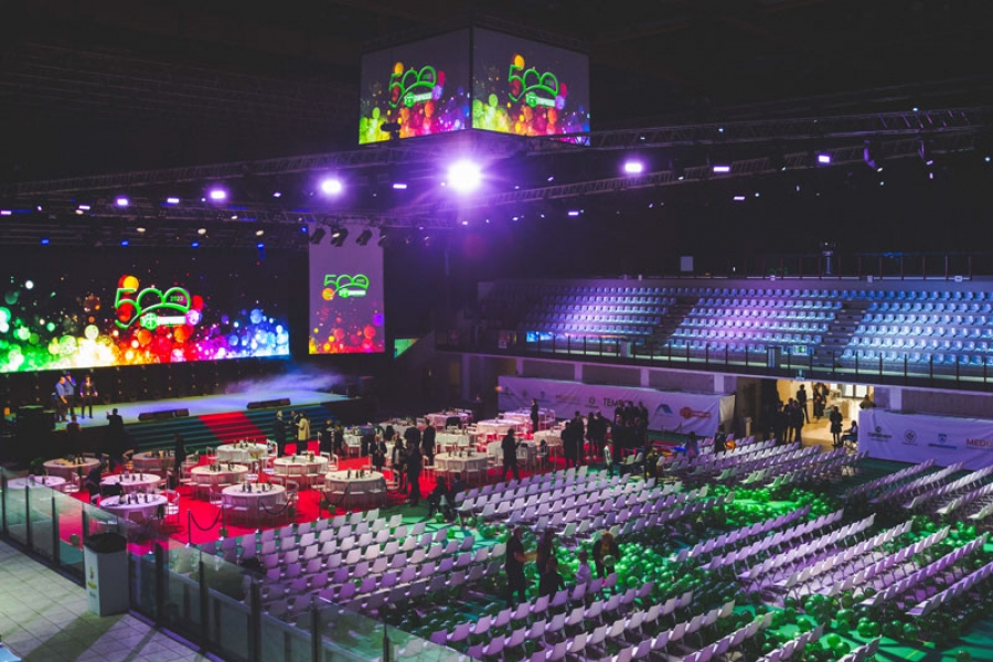 Rimini, RDS Stadium Palazzetto completamente allestito pochi istanti prima dell'inizio dell'evento. In attesa soltanto dell'ingresso delle persone. La magia può cominciare!
