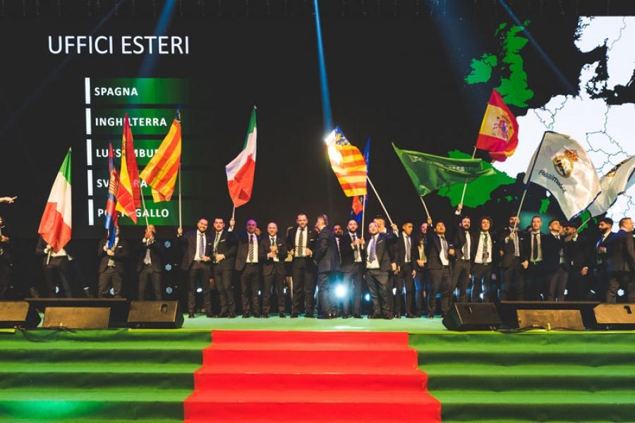 Rimini, RDS Stadium Suggestivo momento scenografico durante una premiazione in cui gli uffici esteri sfoggiano le proprie bandiere.