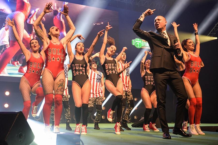 Rimini. RDS stadium Corpo di ballo si esibisce sul palco del palazzetto dello sport