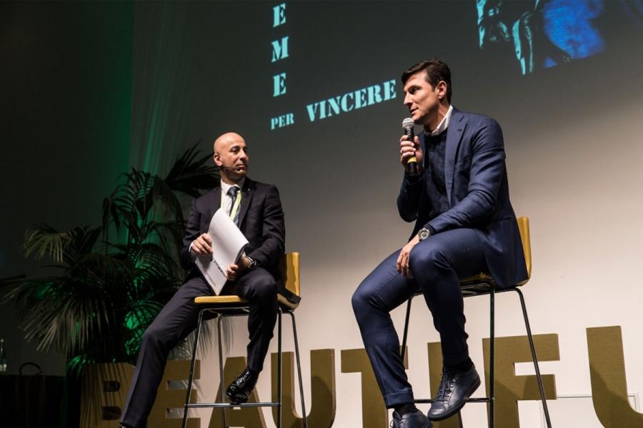 Forum dei Talenti 2018. Milano                                                                                      Javier Zanetti intervistato sul palco di uno dei più importanti eventi formativi   dell'anno da noi organizzato. Le 950 persone presenti ascoltano il trascorso sportivo e umano di una  vera e propria bandiera del calcio e dello sport nel mondo