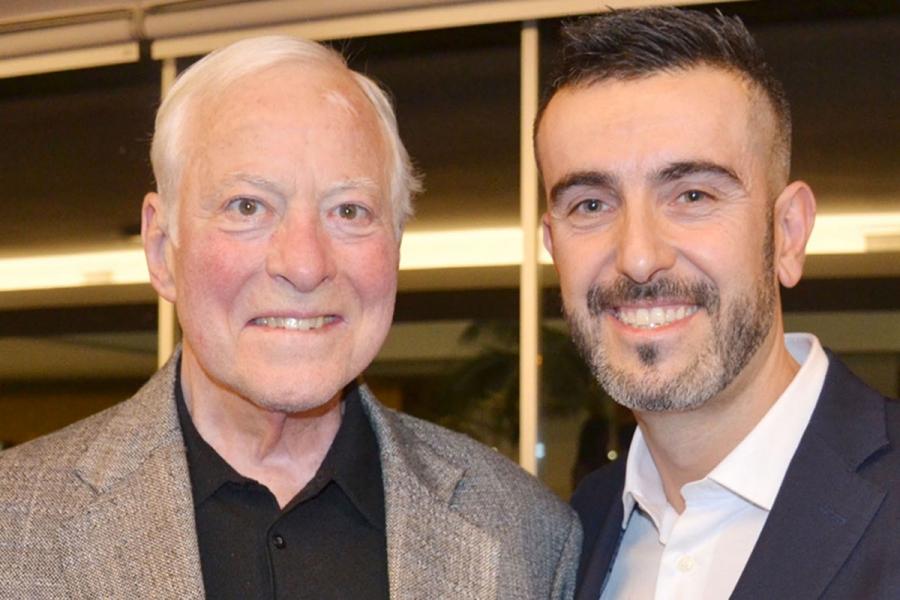 Forum dei Talenti 2017. Milano Mario Magnani, direttore di Beautifulminds, al termine dell'intervista a Brian Tracy, il più conosciuto formatore di venditori al mondo