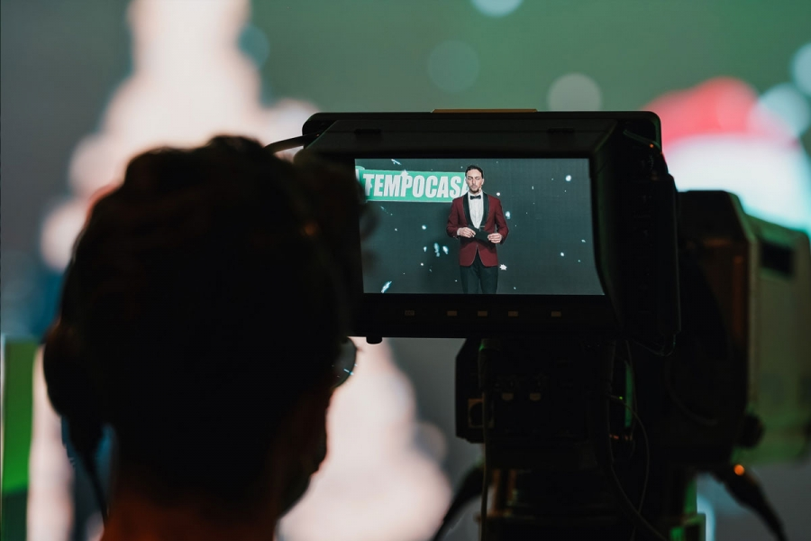 Un vero e proprio studio televisivo allestito all'interno del palazzo dei congressi di Riccione. Un modo nuovo ed alternativo di proporre un evento pensato, progettato  e realizzato secondo i parametri della comunicazione in streaming